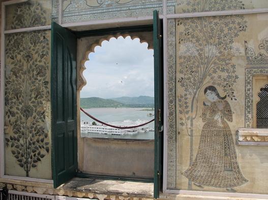 City Palace'tan Pichola Gölü Manzarası
