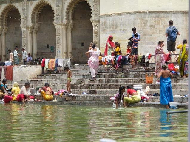 Şehir Sakinlerinin Pichola Gölü Sefası