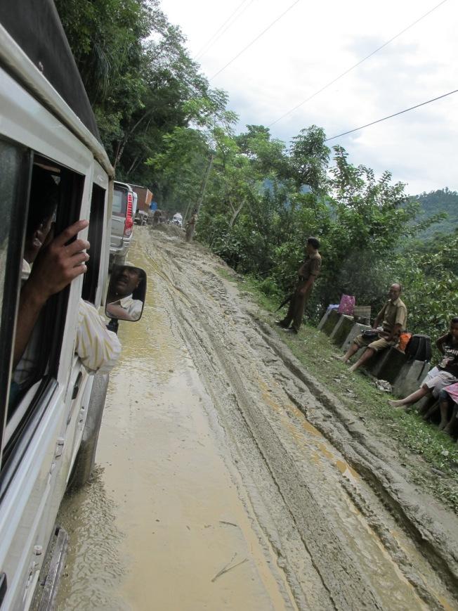 Muson döneminde Sikkim'de yolların durumu