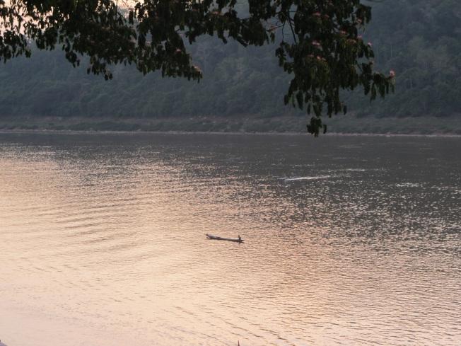 Gün batımında Mekong