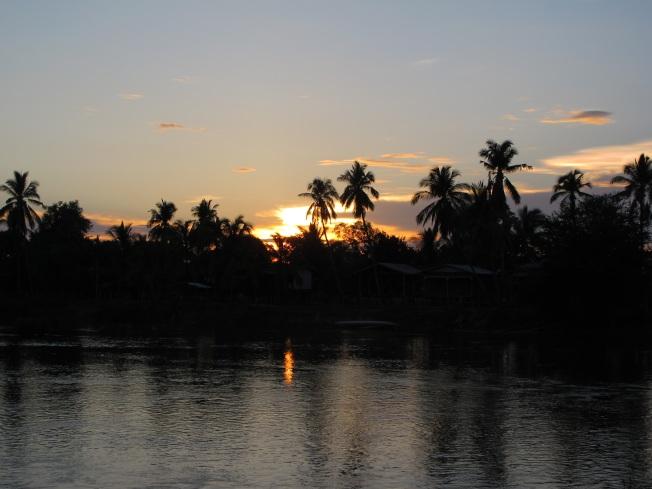 4 Bin Adalar'da Günbatımı
