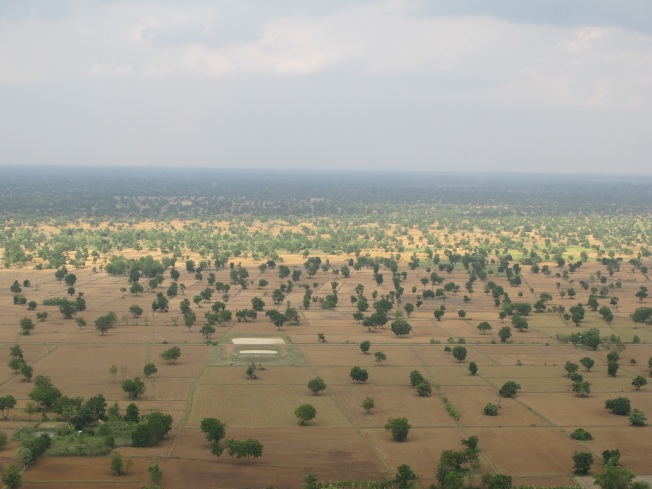 Pnom Sampeau tepesinden manzaralar