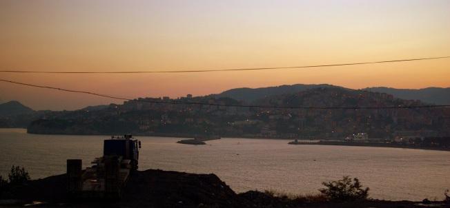 Akşam üstü Zonguldak, bir de şu kamyon olmasa.