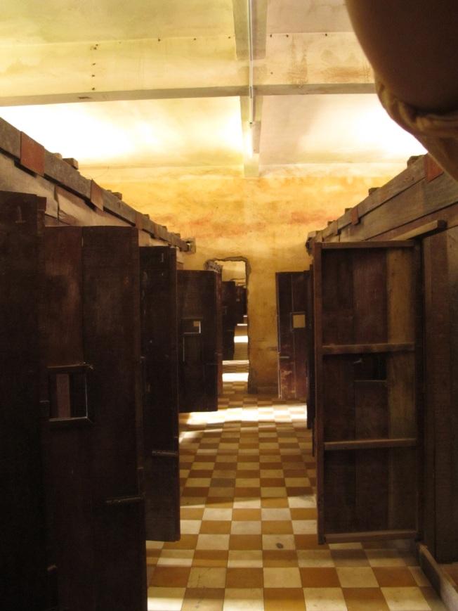 Tuol Sleng Hapishanesi'ndeki Hücreler