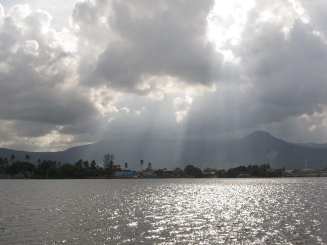 Kampot nehir kıyısı