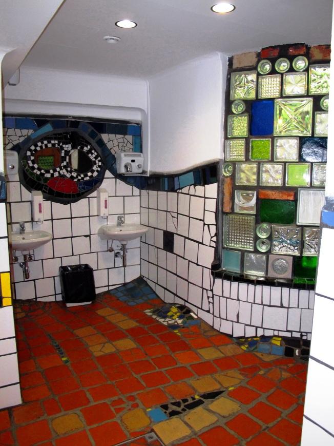 Hundertwasser tuvaletleri :)