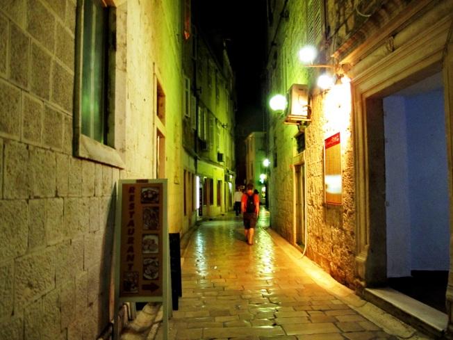 Gece Zadar sokakları