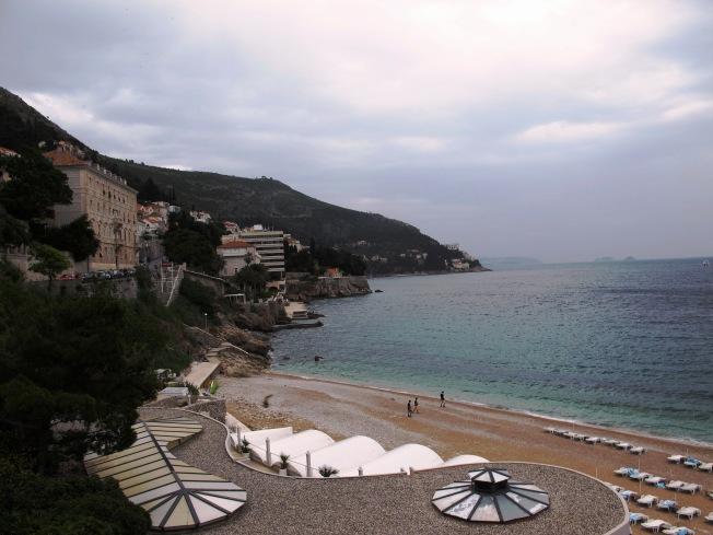 Eski şehrin bitişiğindeki plaj