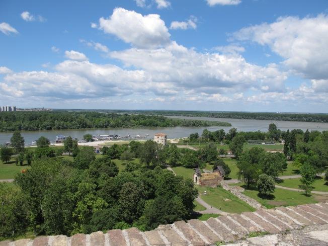 Şehir surlarının yanındaki parktan manzara