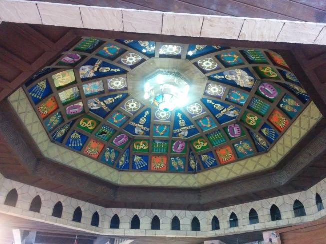 Matrah çarşısının ahşap boyama tavan süslemeleri