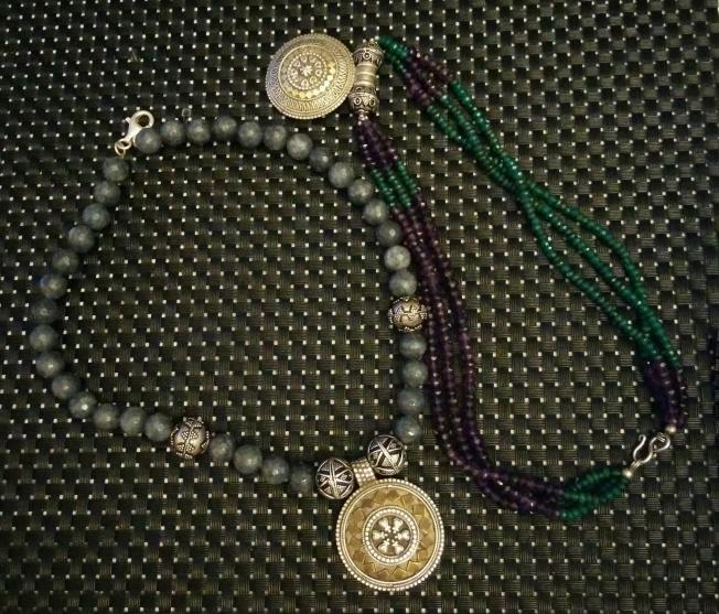 Umman çarşısından Brüksel'e göç eden Umman gümüşü kolyeler :-)