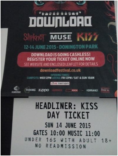 İşte biletlerimiz – Normalde 3 gün sürüyor festival, ama biz tek günlük aldık biletleri, 85 pounda.