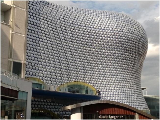 Sefridges Binası – Hemen Bull Ring alışveriş merkezinin yanında- Birmingham'ın simgelerinden