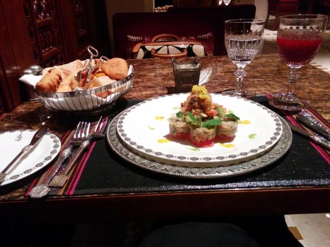 Al Angham Restoran'da kendimle akşam yemeği