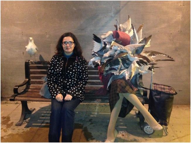 Bu da Banksy – Banksy büyük adam – ya da kadın – ya da ekip. Bir gün hepimizin martılara yem olacağımızı biliyor, kuşlardan korkan beni haklı çıkardı.