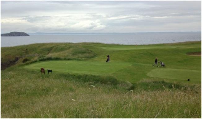 Golf Merkezleri - tek merak ettiğimiz yanlışlıkla denize uçan o kadar golf topuna ne olduğu.