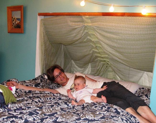Airbnb odamız - Eski bir Mormon'un evinde (Mormonluktan çıkınca eşiyle boşanıp ailesiyle görüşmeyi kestiğini anlattı bize kendisi)