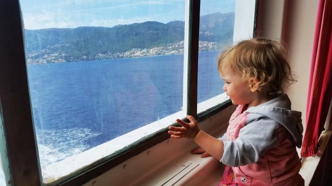Korsika mı orası? - Feribotta.