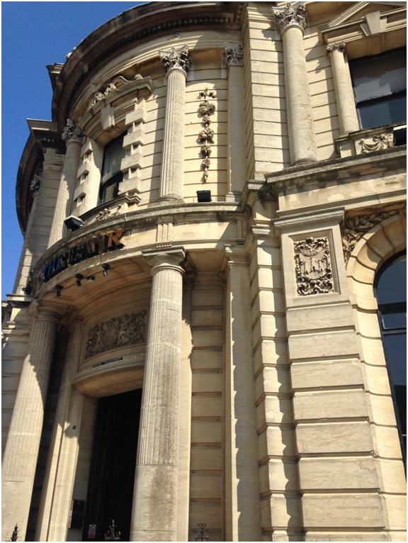 The Bank – Ertesi günün fotoğrafı