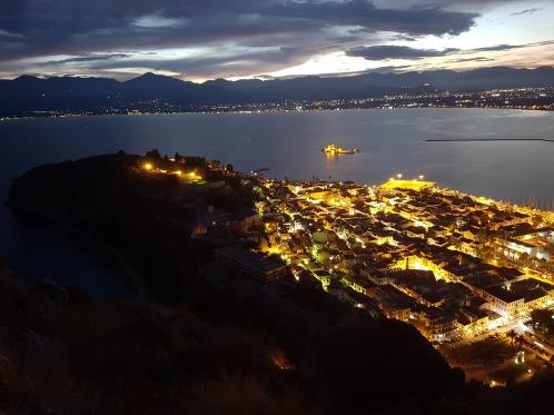 Gece Nafplio manzarasi